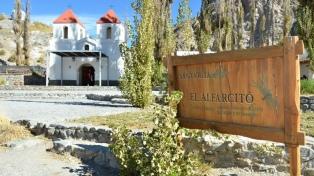A 2800 metros de altura, el paraje El Alfarcito destaca en la inmensidad de la Puna