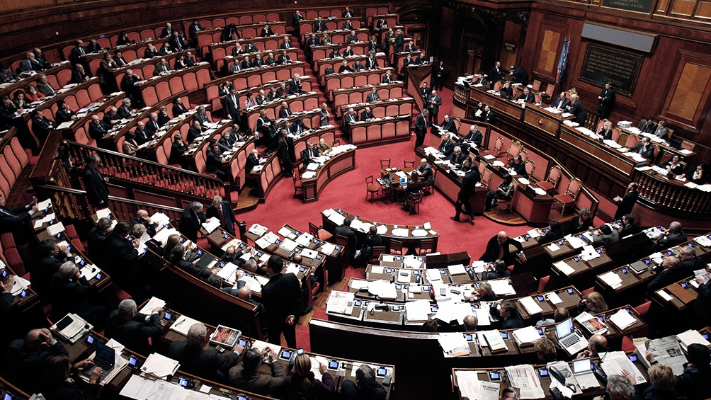 ITALIA: Definen si convocan a un referéndum para achicar el Parlamento