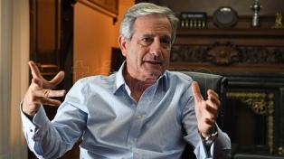 """El ministro Ibarra aseguró que """"no se está achicando el Estado"""""""