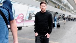 Falsa amenaza de bomba en los autos de Messi y Suárez