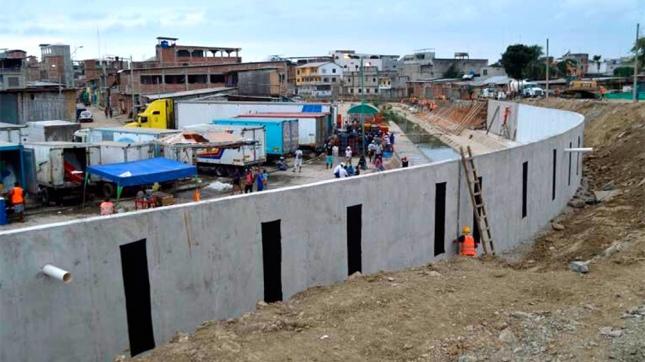 Perú llama en consulta a embajador en Ecuador por muro fronterizo