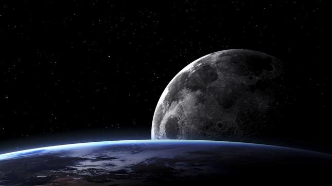 Encuentran evidencias de agua en el interior de la Luna