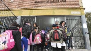 Impulsan regular por ley el peso de las mochilas escolares