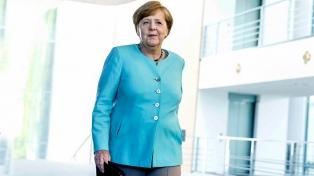 Merkel anunció la suspensión de la venta de armas a Arabia por el caso Khashoggi