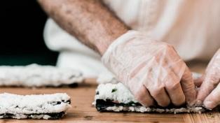 La lucha feminista llegó al sushi y las mujeres pelean para que las dejen prepararlo