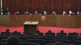 Por 4 a 3, la Justicia Electoral absolvió a Temer y evitó su destitución
