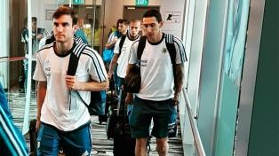 Argentina llegó a Singapur y ya se prepara para el martes