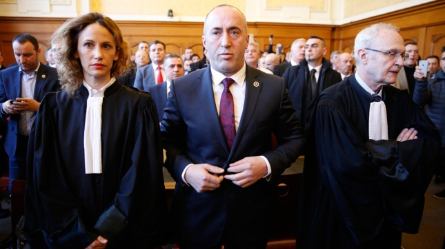 Centro derecha aventaja en elecciones parlamentarias de Kosovo