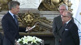 """Macri tomó juramento al canciller Faurie y llamó a """"terminar con la mafia de los juicios laborales"""""""