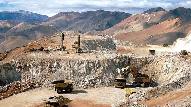 Argentina ofrece a China invertir en grandes proyectos mineros nacionales