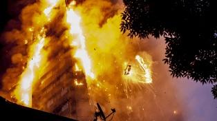 La Policía estimó en 80 los muertos por el incendio de Londres