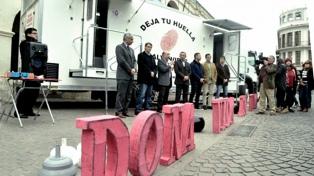 Presentan un móvil para recibir donaciones de sangre en toda la provincia