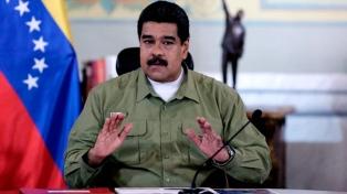 Maduro aumentó 50% el salario mínimo y el bono de alimentación