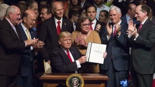 Trump cancela el acuerdo firmado por Obama con Cuba y endurece las políticas hacia la Isla
