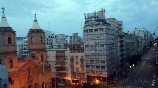Sábado nublado y probabilidad de lluvias en la Ciudad