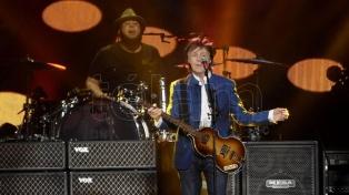 Paul McCartney cumple 77 y lo celebró en las redes