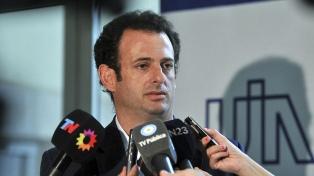 """Los industriales tienen que """"salir de la falta de competitividad"""", dijo José Urtubey"""