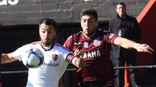 Lanús lo empató sobre el final ante Newell's en Rosario