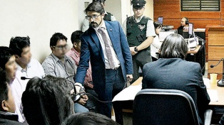 Regresaron a su país los nueve bolivianos expulsados por Chile