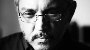 """Javier Galarza: """"Hay pocas cosas más interesantes que el asombro y el extrañamiento ante la vida"""""""
