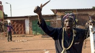 Más de un centenar de muertos por choques entre milicias rivales