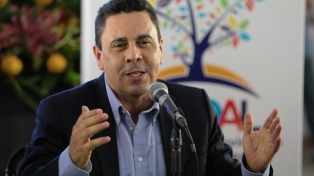 Maduro nombró nuevo canciller en reemplazo de Delcy Rodríguez