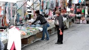 """Buscan evitar que se instalen """"saladitas"""" en las plazas los fines de semana"""