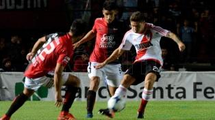 River igualó sin goles ante Colón y se clasificó a la Copa Libertadores