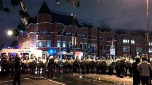 Seis policías heridos en una protesta por la muerte de un hombre en Londres