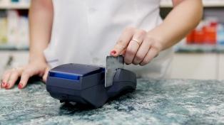 Controlan restaurantes, hoteles y comercios para verificar que acepten tarjeta