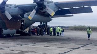 Llegó el primer avión con familiares y heridos leves de la tragedia de Mendoza