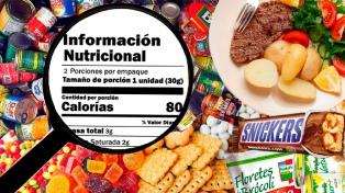 Proponen que restaurantes y casas de comida rápida detallen calorías de sus menúes