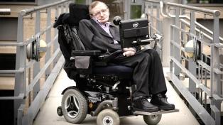 Envían al espacio un mensaje de Stephen Hawking