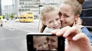 Alertan sobre los riesgos que genera publicar fotos de niños