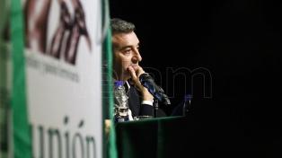 "Randazzo dijo ser una alternativa al macrismo, ""sin la soberbia de Cristina"" ni el ""oportunismo"" de Massa"