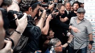 """Maradona, ciudadano honorario de Nápoles: """"Nadie me quiso como ustedes"""""""