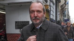Confirmaron el procesamiento de Sabbatella por haber dispuesto la adecuación de oficio del Grupo Clarín