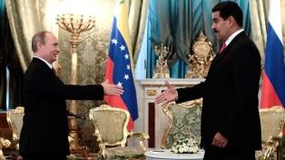 Maduro se aseguró en Moscú el apoyo de Putin y apuntaló el acuerdo petrolero