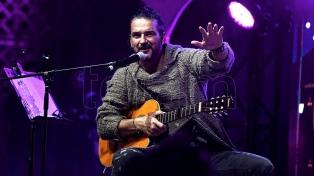 Arjona presentó una gira por Argentina y consideró a Sui Generis como su máxima influencia