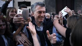 Macri recorre el conurbano y recibe a la nueva conducción de la AMIA