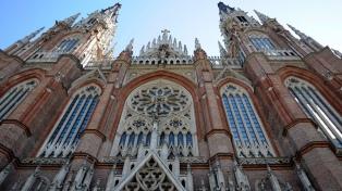 Una joven denunció a un párroco que la agredió en la Catedral de La Plata