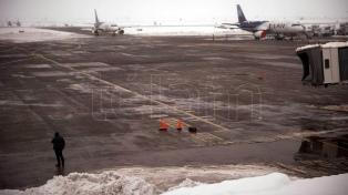 Tras el cierre por niebla, reabrió el aeropuerto de Bariloche