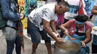 Organizaciones sociales realizan una jornada nacional de ollas populares