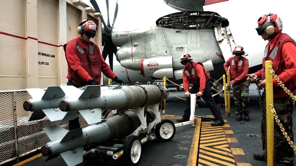 tropas estadounidenses se preparan para intervenir y bombardear Siria