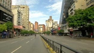 Calles vacías y locales cerrados por el paro opositor