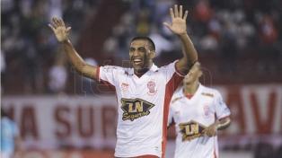 """Abila: """"Tevez no se va a retirar, sería un sueño poder jugar con él"""""""