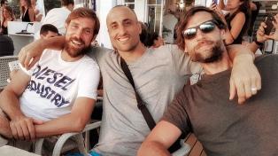 Ginóbili de vacaciones con familia y amigos en Ibiza