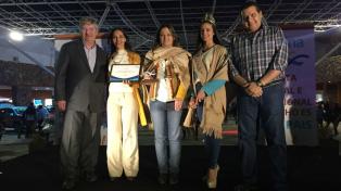 """Otorgaron la """"Marca País"""" a la Fiesta Nacional del Poncho"""