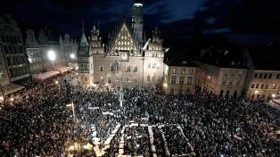 Reforman el gabinete polaco para mejorar el vínculo con la Unión Europea