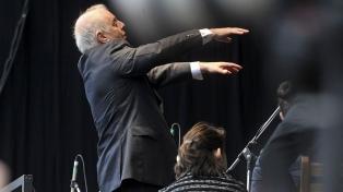 Barenboim dirige en Berlín un concierto que celebra los 75 años de la liberación de Auschwitz